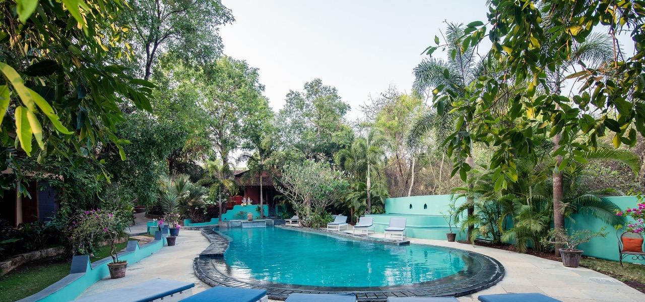 Satsanga pool:garden I